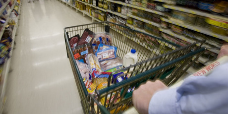Cheaper food in the December quarter helped push the Consumers Price Index down by 0.2 per cent. Photo / NZ Herald