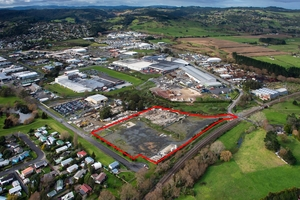 Vacant industrial site for sale at 14-16 Parker St, Papakura, is marked with a red border.