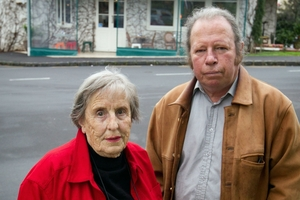 Residents of Spring Grove Flats Marjorie Lowe and Robert Tait are against the licence extension. Photo / Richard Robinson