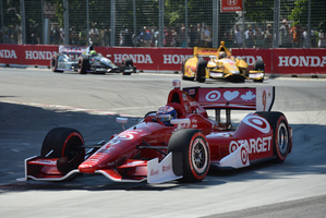 Scott Dixon's win at Toronto continued his run of successes and moved him closer to the IndyCar championship title.
