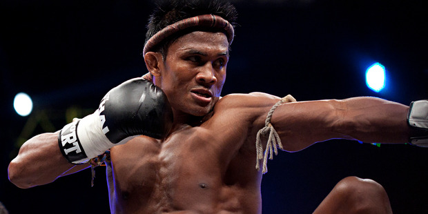 Buakaw Por Pramuk poised to deliver a punch. Photo / Kelly Lynch