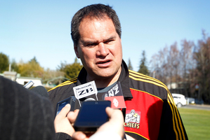 Coach Dave Rennie speaks to the media as the Chiefs train at Ruakura ahead of their final game. Photo / Christine Cornege