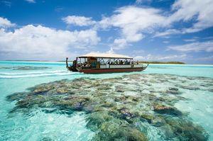 Cruising the Aitutaki Lagoon, Cook Islands.