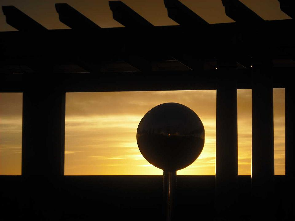 Sunrise at the Napier Soundshell, Marine Parade, taken by Richard K R.
