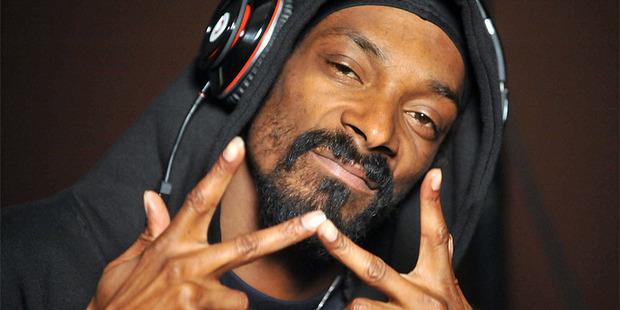 Loading Snoop Dogg aka Snoop Lion