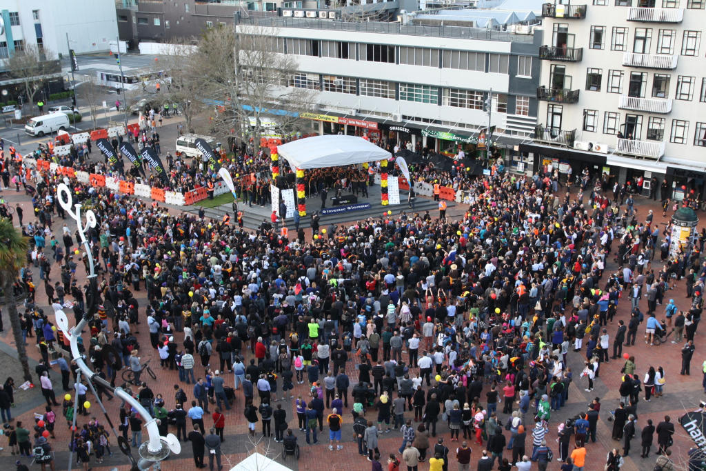 Huge crowds packed Garden Place to praise back to back Super 15 champion Chiefs.
