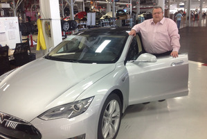 Gerry Brownlee tried the electric Tesla SP85 on the Los Angeles coastal freeway.