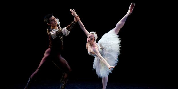 Gillian Murphy, as Odette and Qi Huan as Prince Siegfried. Photo / Richard Robinson