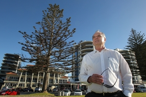 VAN BAN PLAN: Cr David Stewart wants a year-round freedom camper ban imposed on all of Marine Parade.