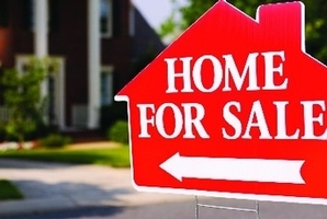 The estate agent attempted to get the elderly man to sign over his $850,000 home to her for just $433,000. File photo / Thinkstock