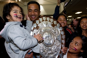 Counties Manukau's Reynold Lee-Lo celebrates with 3-year-old daughter Katelyn. Photo / Sarah Ivey