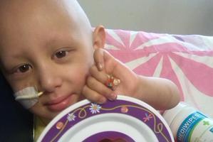 BRAVE GIRL: Tianajay Klomp-Loffley is in Starship Hospital fighting leukaemia. Photo / SUPPLIED