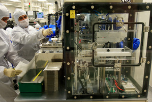 Rakon staff manufacturing electronic components at Rakon's Mt Wellington. Photo / Martin Sykes