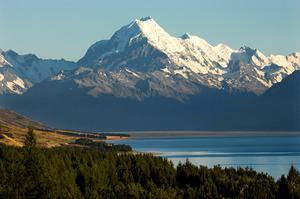 Aoraki Mt Cook. Photo / Simon Baker