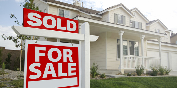 Loading The Reserve Bank thinks the restrictions on high loan-to-value ratio lending will cut annual house price inflation by between 1 and 4 percentage points.