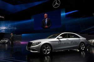 Mercedes-Benz S-500 plug-in hybrid automobile