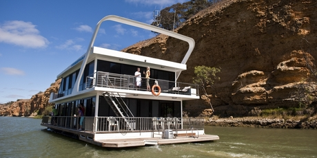 Unforgettable Houseboats on the Murray River.
