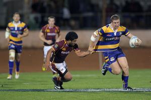 Steamers hooker Nathan Harris takes on the Southland defence.