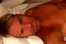 Shane Warne Twitter selfie.