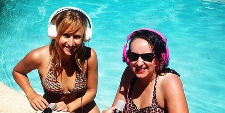 Fleur Saville (left) chills out in LA with Aussie comedian Greta Lee Jackson.