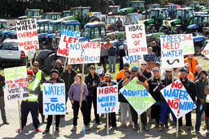 Protesters take part in Growers Action Group (GAG) tractor protest against what they see as shoddy treatment by the Hawke's Bay Regional Council. Photo / Duncan Brown