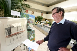 Jane Winstone resident Graeme Morpeth admires a work by Colin McCahon, which was loaned to the Wanganui Art Society for its one-day exhibition.  PHOTO/BEVAN CONLEY 220913WCBRCART06