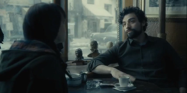 Loading Oscar Isaac and Carey Mulligan in the trailer for Inside Llewyn Davis.