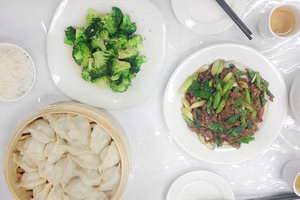 Dumplings, broccoli and lamb with leeks.Photo / NZ Herald online