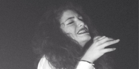 Lorde delivers a 'rousing' performance of Royals in Seattle.