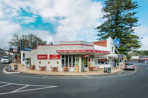 The Queen St Gallery Cafe in Warkworth produces net annual rental income of $28,380.