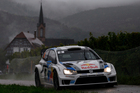 Belgian driver Thierry Neuville and co-driver Nicolas Gilsoul steer their Ford in the special stage of Cleebourg during the Rally of France. Photo / AP