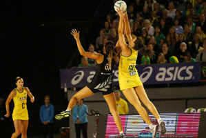 Bianca Chatfield of the Diamonds receives the ball over Maria Tutaia of the Ferns during the Constellation Cup match. Photo / Getty Images