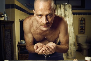 Bryan Cranston has received high praise from fanboy Sir Anthony Hopkins.