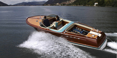 Riva Lamborghini at speed