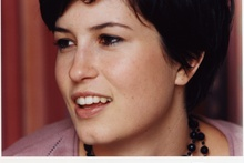 Aussie singer/songwriter Missy Higgins complained about plane food.