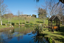 The Waihi Motor Camp, set next to Waitete Stream, includes onsite recreational facilities.