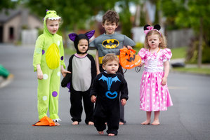 Halloween revellers (from left) Rylee Scott, Elena Adamovsky, Isaac Adamovsky (front), Lachlan Bullen and Aoife Bullen are all set to go trick or treating. Photo / Christine Cornege