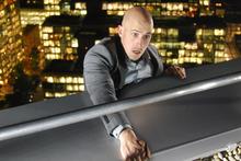 Jonathan Goodwin in death-defying climb up a London skyscraper.