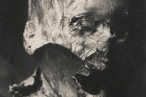 What was believed to be the head of Henry IV pictured in the 1930s. Photo / AP