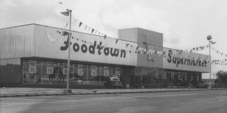 Grocery shopping has come a long way since The first Foodtown opened on Great South Rd at the southern end of Otahuhu in 1958.