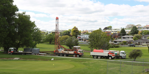 Otumoetai golfers are having to play around this drilling rig so that the club can improve the security of its water supply. Photo / John Borren