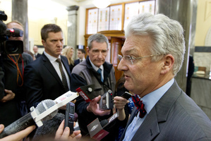 Peter Dunne speaking to media in August. Photo / Mark Mitchell