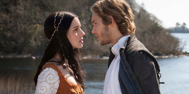 Adelaide Kane as Mary, Queen of Scots and Toby Regbo as Prince Francis in Reign.