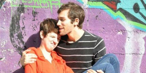 Chicago-based couple Claire Meyer and Alan Linic share their fights online. Photo / Twitter