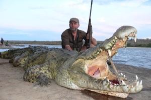 Gunton and slain crocodile.
