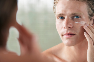 Should men wear make-up? Photo / Thinkstock