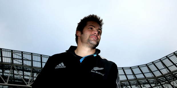 Richie McCaw leaves the field following the New Zealand All Blacks Captains Run at Aviva Stadium. Photo / Getty Images.