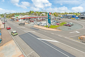 The Caltex service station and  retail outlets at  Wellsford are a handy stopping point for a heavy volume of traffic.