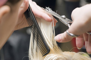 Hairdresser Jaleace Ormsby hasd been awarded $500 compensation after finding she was unfairly dismissed by a late-night text. Photo / Thinkstock