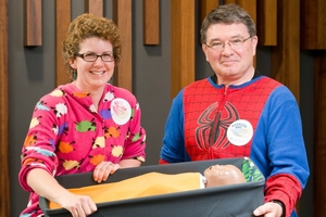 Drs Christine McIntosh and Adrian Trenholme of the Middlemore paediatric team with a pepi-pod. Photo / Greg Bowker